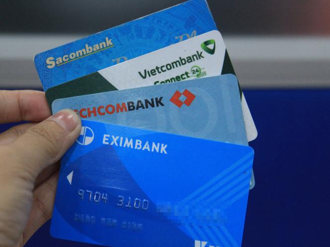 Ngân hàng nào đang làm thẻ ATM miễn phí?
